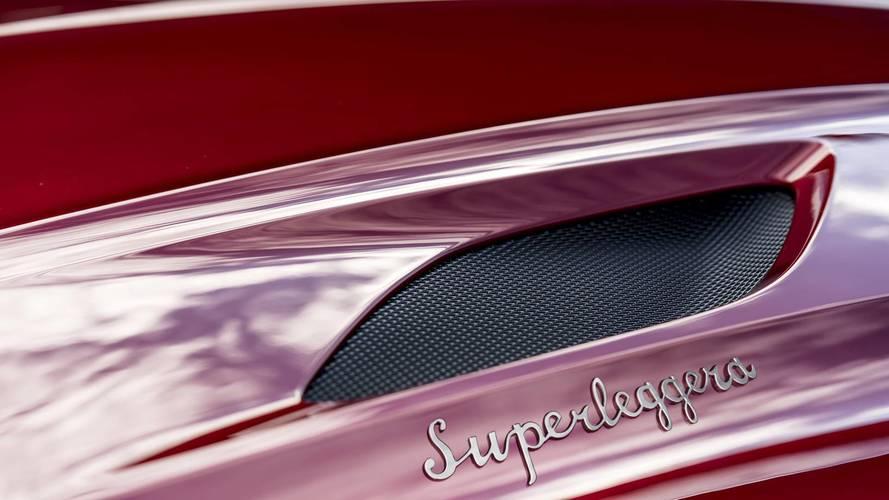 Visszahozza ikonikus DBS-jelzését az Aston Martin