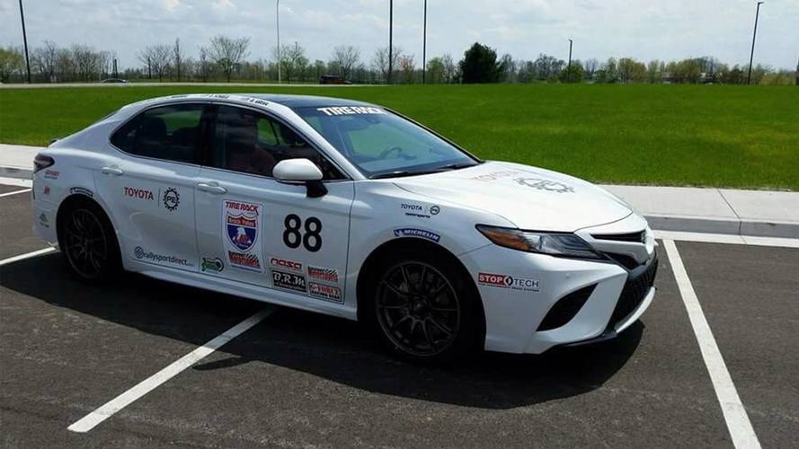 Toyota Enters 3 Camrys and 1 Prius In One Lap Of America