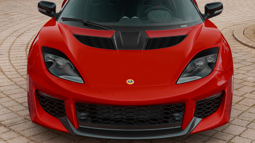 Lotus Evora 400 carbon pack sheds more weight off the coupe