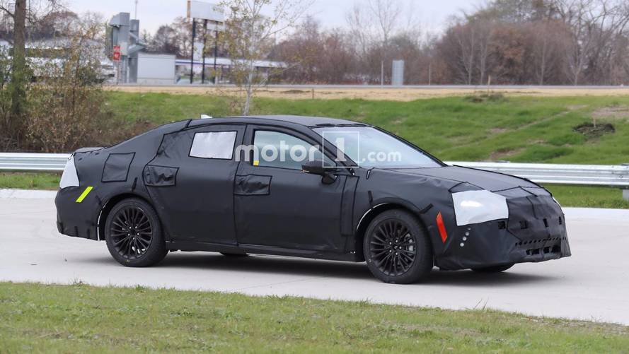 2019 Toyota Avalon Puts Full Body Camo Back On For New Tests