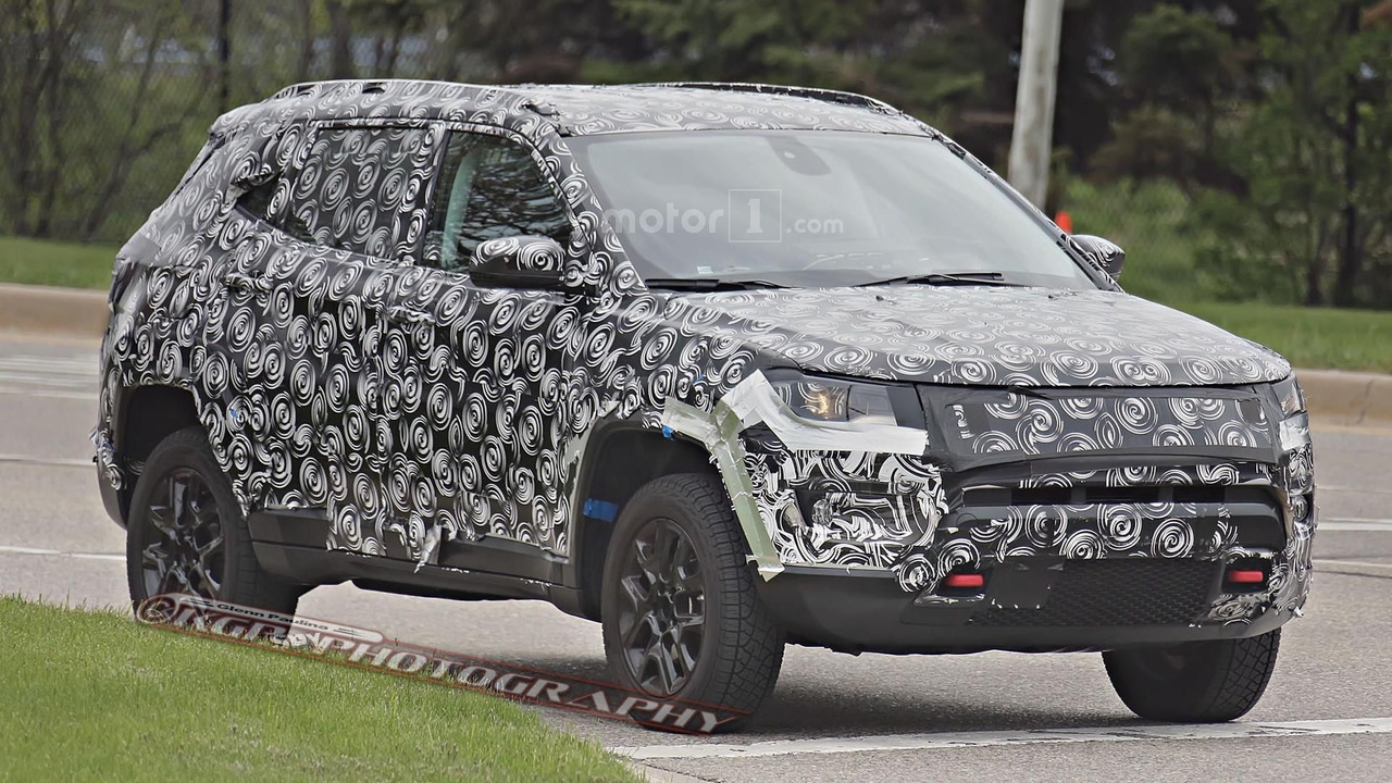 Jeep compass patriot replacement spy photo