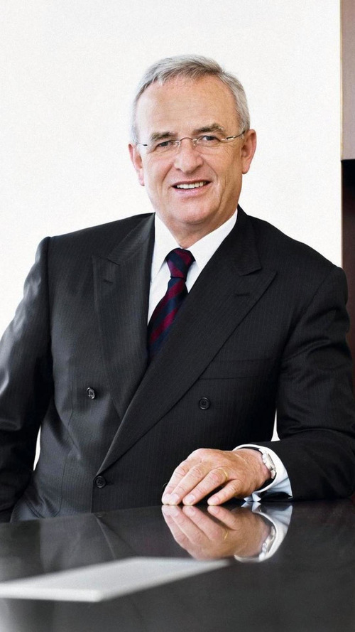 VW extends CEO Martin Winterkorn's contract into 2016