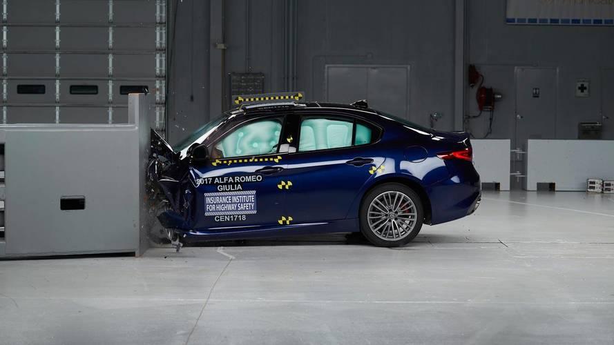 2017 Alfa Romeo Giulia Aces IIHS Crash Tests, Earns TSP+ Rating