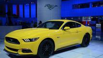2015 Ford Mustang GT live at 2014 NAIAS