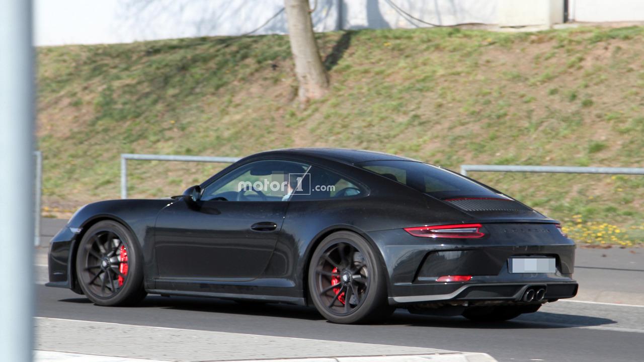 Do Spy Pics Reveal Porsche 911 R Successor