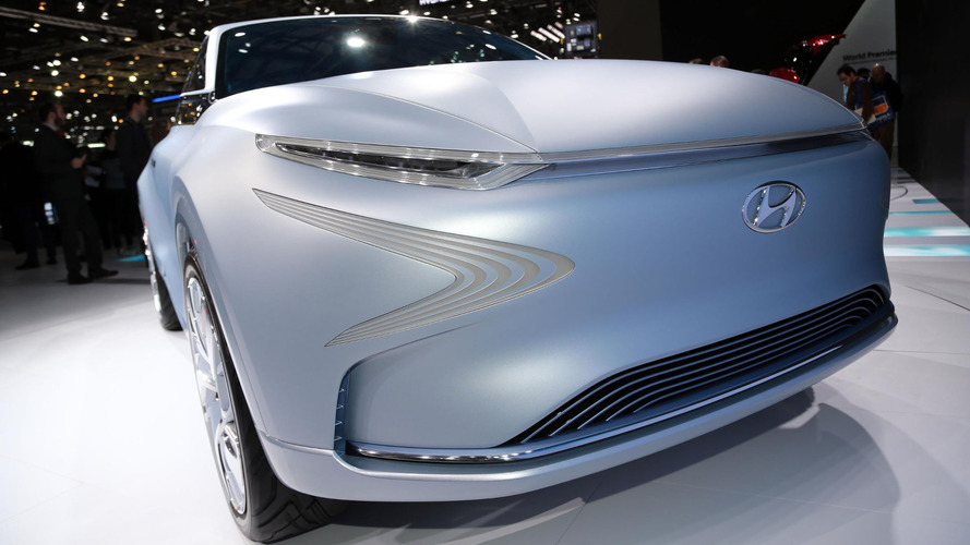 Hyundai Futuristic FE Fuel Cell Concept can do 497+ miles on hydrogen
