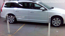 SPY PHOTOS: New Volvo V 70 Undisguised