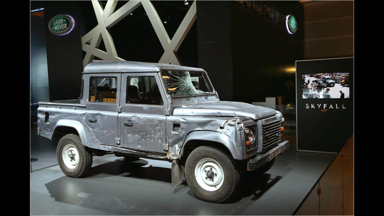 Skyfall (2012): Land Rover Defender