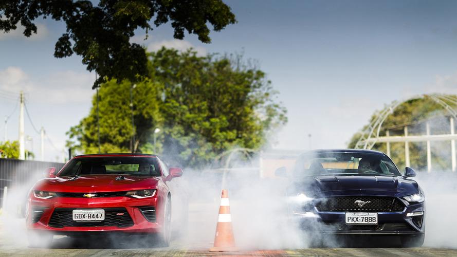 Vídeo - Ford Mustang GT e Chevrolet Camaro SS se encontram na pista de arrancada