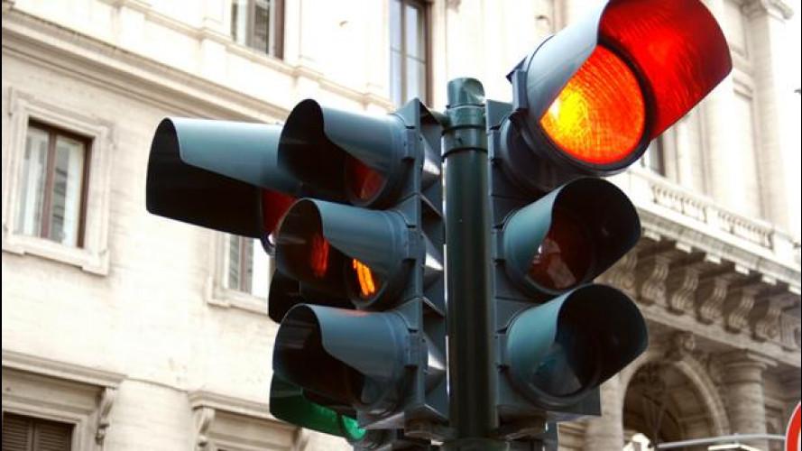Il semaforo T-Red è impotente contro le auto senza Rca