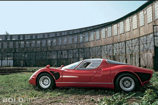 Alfa Romeo 33 Stradale is Pure Sex-On-Wheels