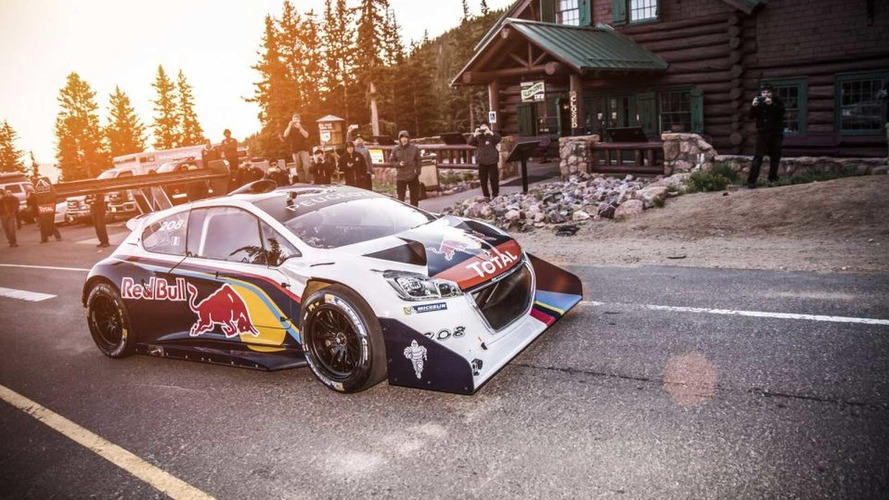 s bastien loeb et sa peugeot 208 t16 pikes peak sont de. Black Bedroom Furniture Sets. Home Design Ideas