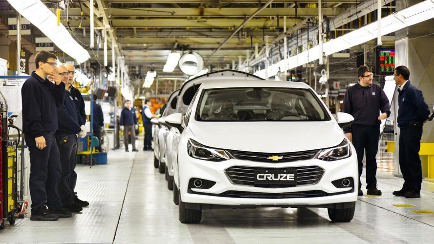 Argentina anuncia plano para produzir 1 milhão de veículos por ano