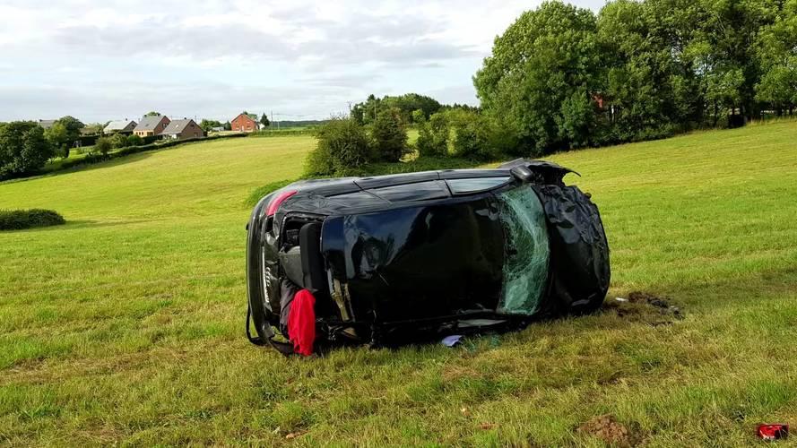 Audi RS3 200km/h ile kaza yaparsa ne olur?
