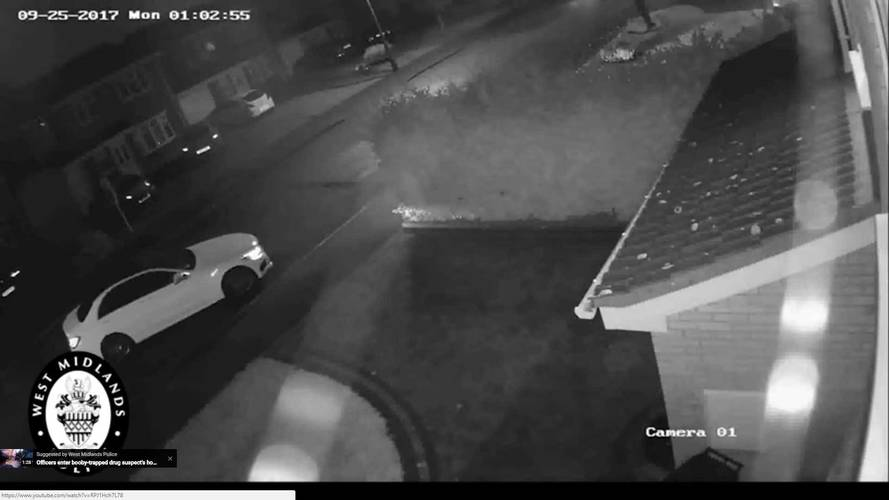 Thieves Steal Mercedes-Benz