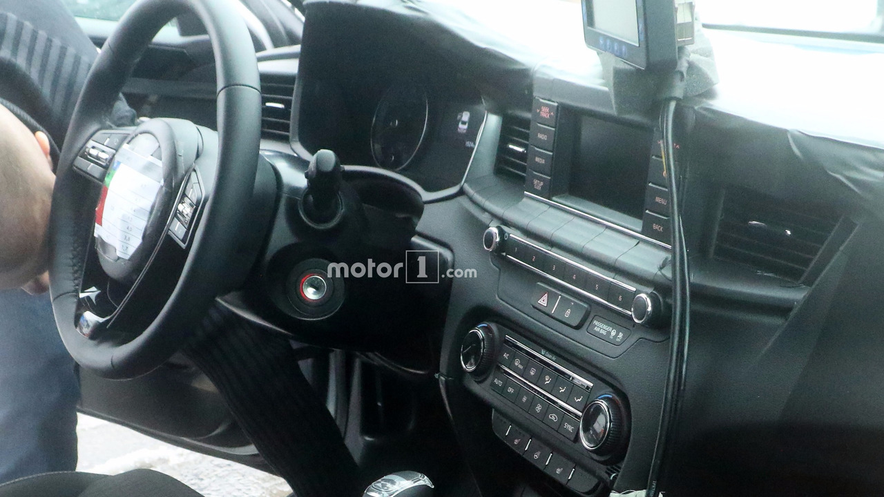 2018 kia cee 39 d spied inside and out. Black Bedroom Furniture Sets. Home Design Ideas