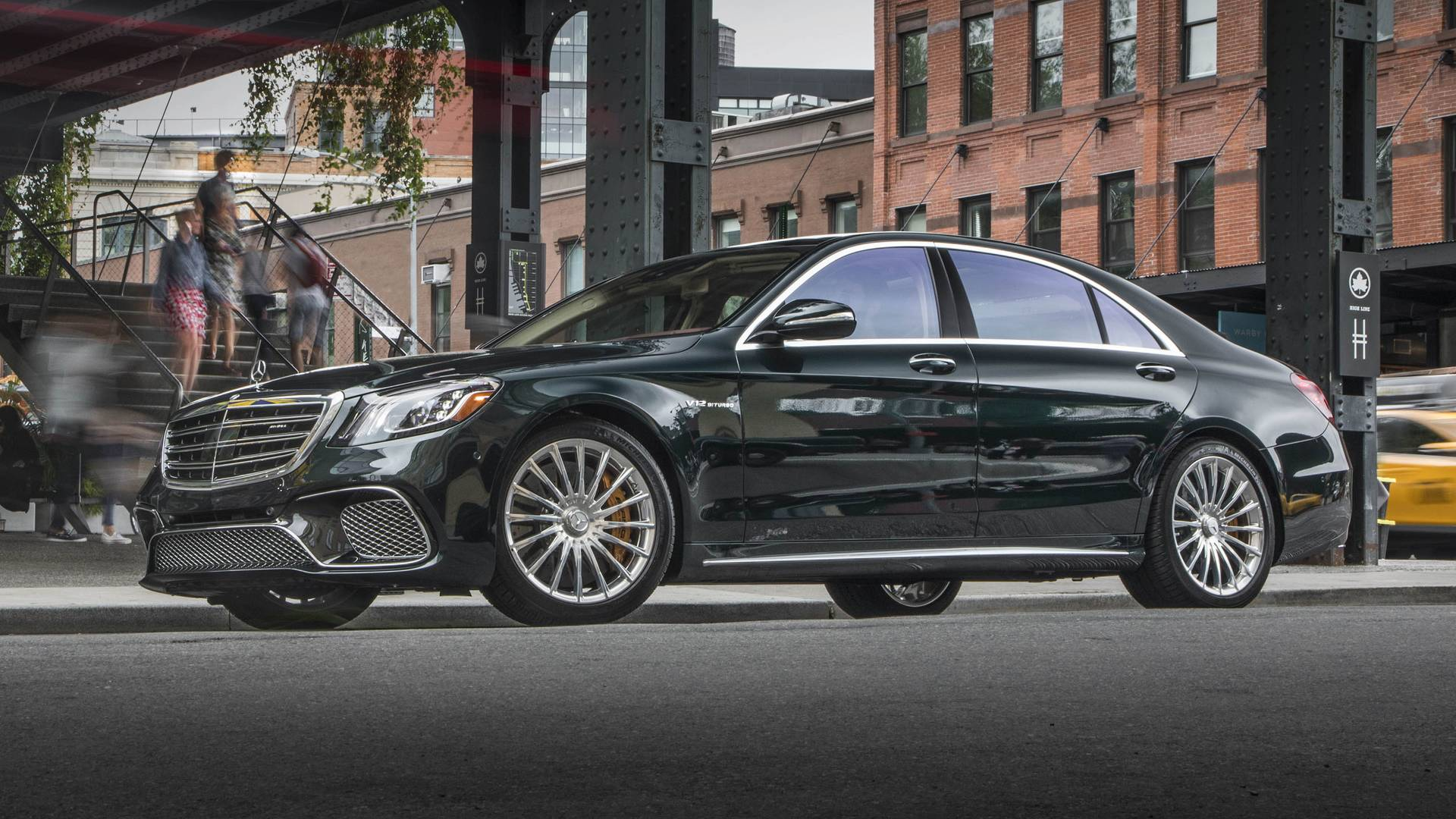 https://icdn-2.motor1.com/images/mgl/bWbyl/s1/2018-mercedes-amg-s65-review.jpg