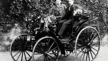 Theodor von Liebieg driving a Benz Victoria