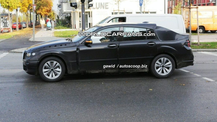 BMW PAS Crossover Spied with Finished Front & Rear Lights