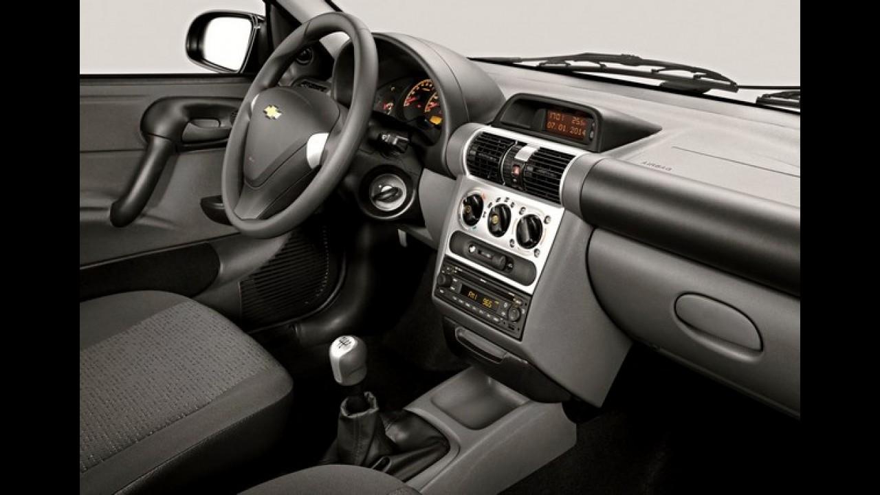 Chevrolet Classic 2015 ganha ar condicionado de série e parte de R$ 30.590