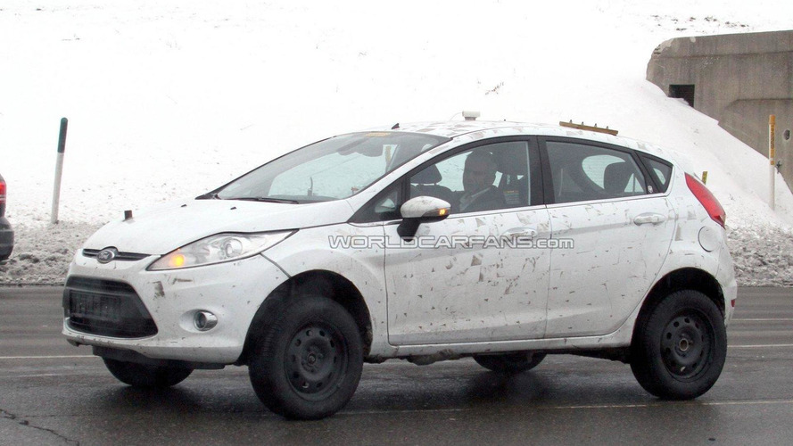Ford Fiesta-based SUV mule prototype spied