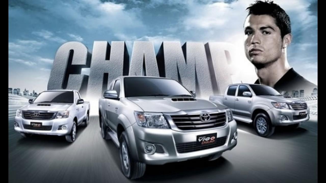 Primeiras imagens oficiais dos Novos Toyota Hilux e SW4 2012