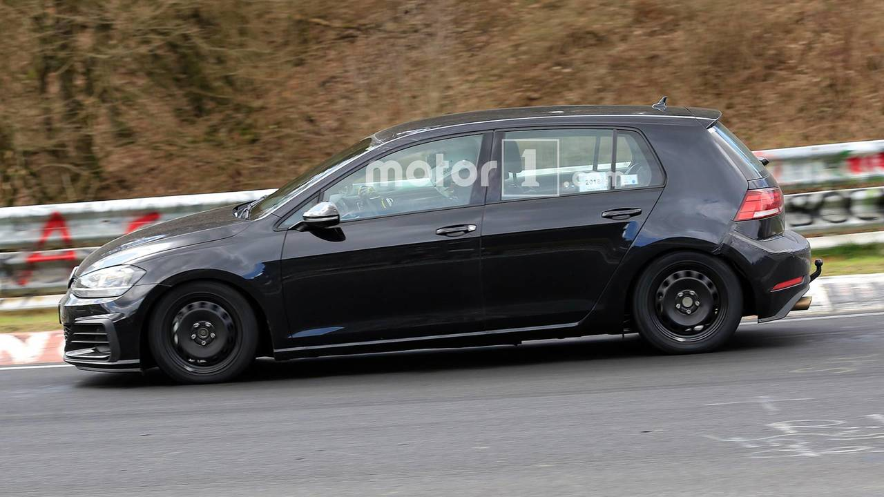 2020 vw golf spied showing off cabin and engine. Black Bedroom Furniture Sets. Home Design Ideas