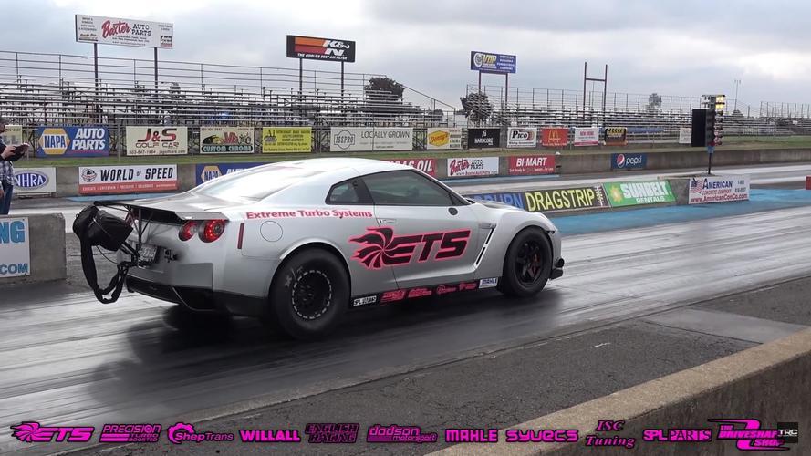 Ismét negyedmérföldes rekordot döntött a 3000 lóerős Nissan GT-R