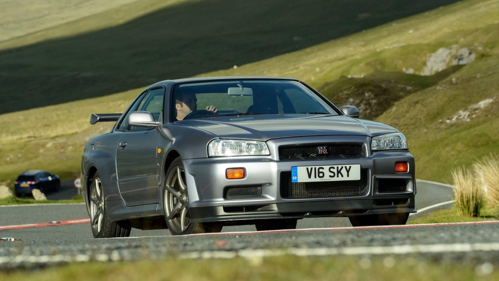 motor1 legends 1999 nissan skyline gt r r34. Black Bedroom Furniture Sets. Home Design Ideas