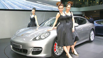 2010 Porsche Panamera Live from Auto Shanghai 2009
