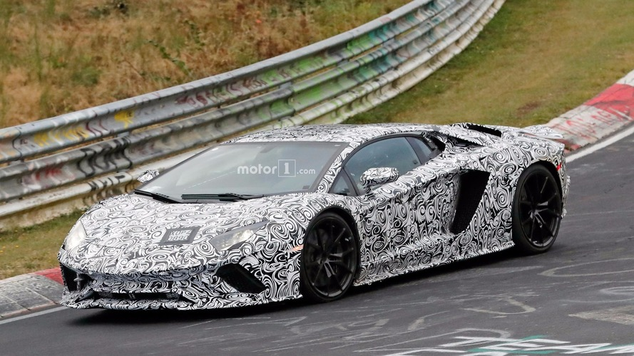 Lamborghini Aventador facelift spied lapping the Nürburgring