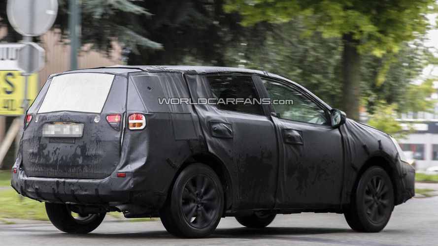 2014 Toyota RAV4 to get Camry-inspired styling, new six-speed transmission - report