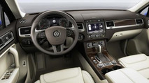 2015 Volkswagen Touareg facelift revealed ahead of Beijing Motor Show debut