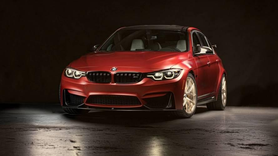 BMW M3 30 Years American Edition, ülkenin bayrağı gibi
