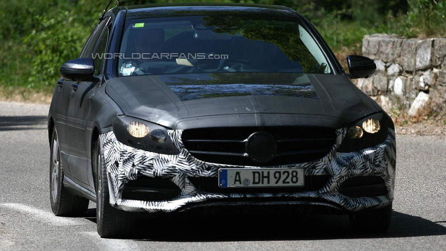 2014 Mercedes C-Class spied showing new details