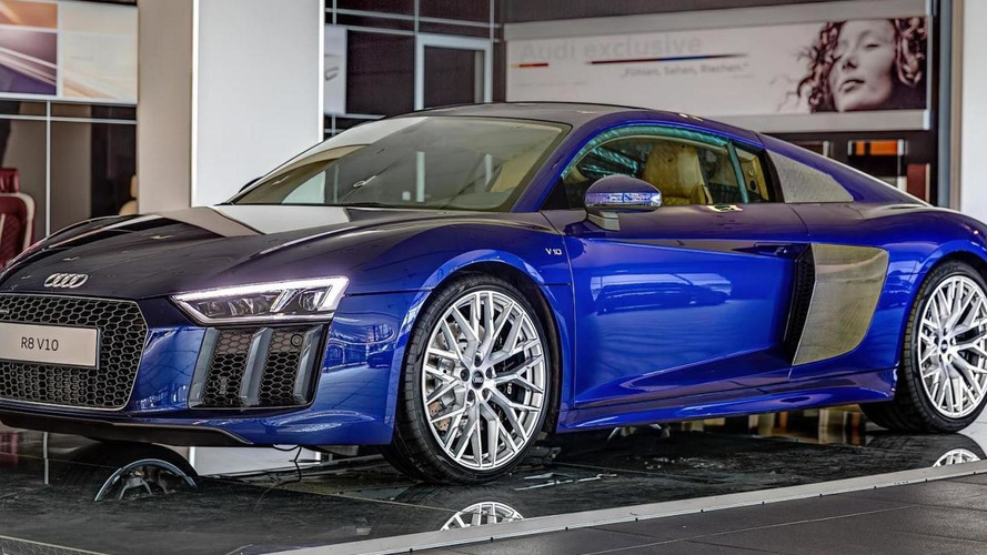 Santorini Blue Audi R8 looks delicious