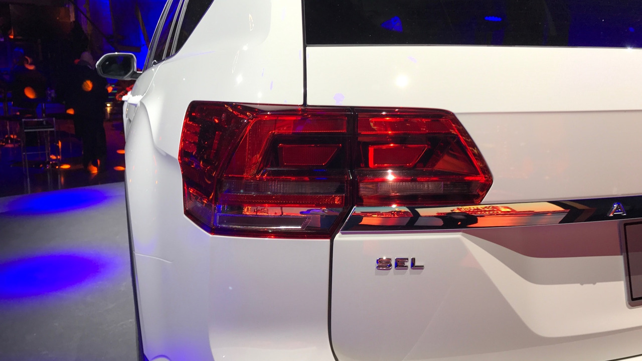 Vw Atlas R Line Shows Its Sporty Side In Detroit