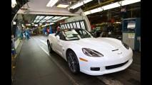 GM produz última unidade do Chevrolet Corvette C6 nos EUA