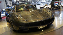 Pagani Huayra Carbon Edition live in Geneva 06.3.2012