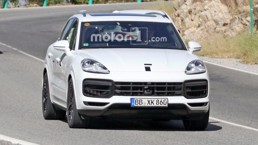 White 2018 Porsche Cayenne Spy Photos