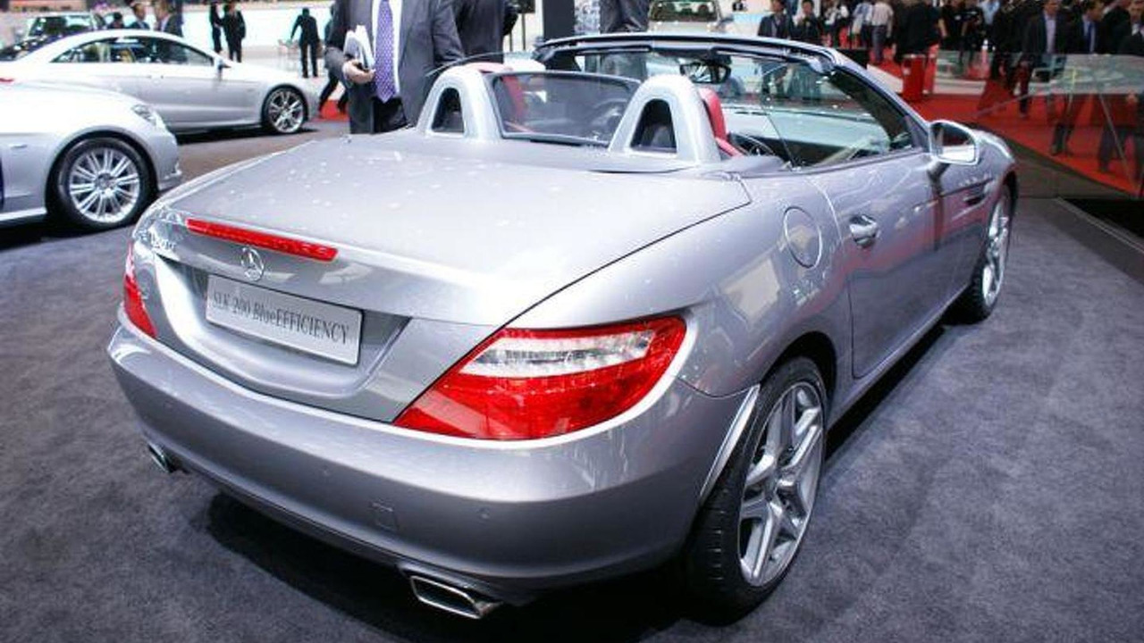 2012 Mercedes-Benz SLK 350 BlueEfficiency live in Geneva - 03.03.2011