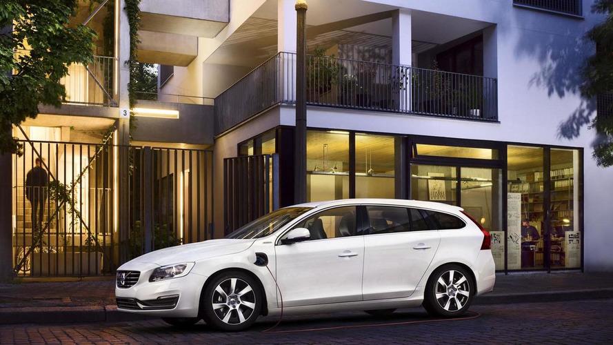 Volvo confirms V60 Plug-In Hybrid with gasoline engine