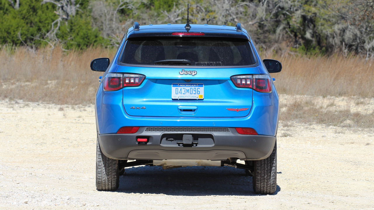2017 jeep compass first drive all the right stuff. Black Bedroom Furniture Sets. Home Design Ideas