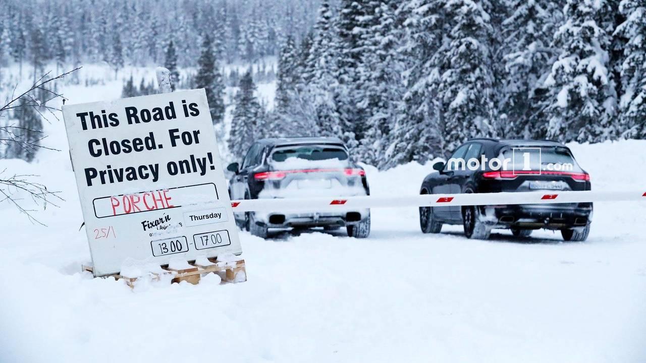 Porsche Mission E, 911 casus fotoğraf