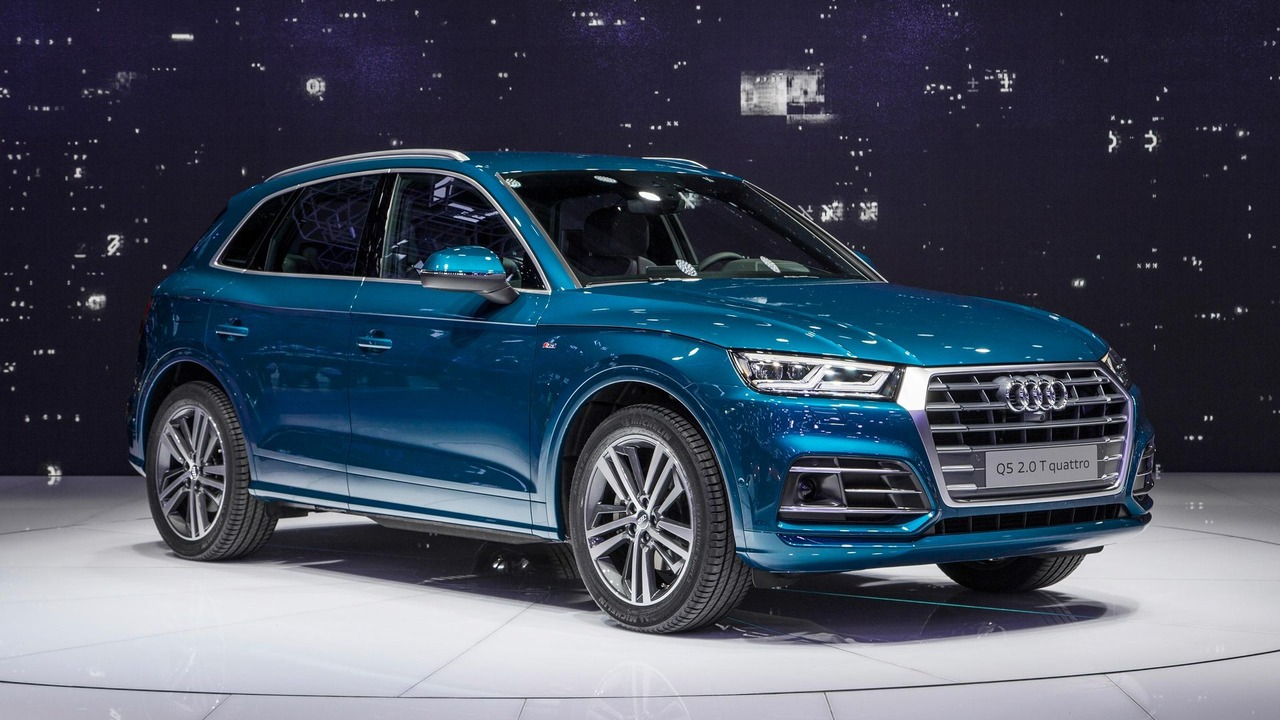 video 2017 audi q5 at the 2016 paris motor show. Black Bedroom Furniture Sets. Home Design Ideas