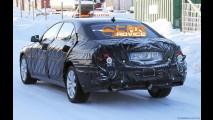 Futuro Mercedes Classe S é flagrado em testes no gelo