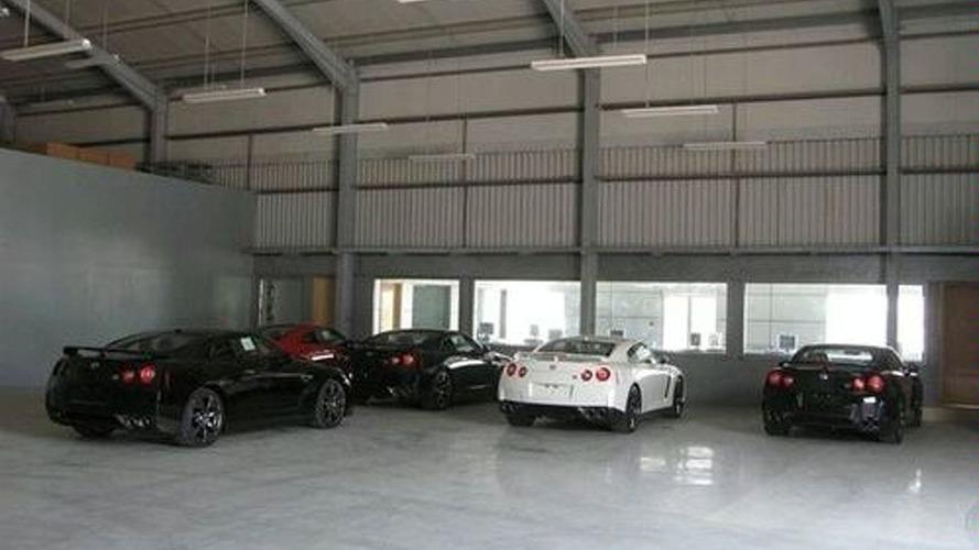 Flock of GT-R's Descend Upon UAE Dealer