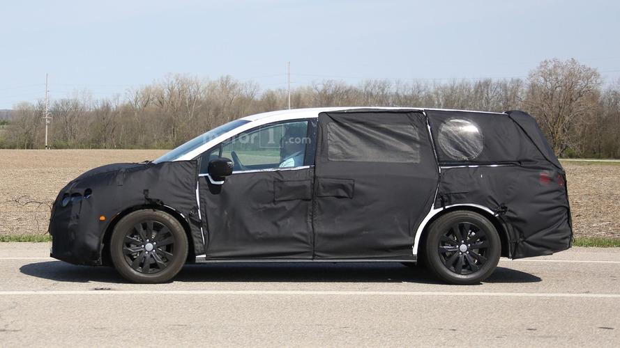 2017 Honda Odyssey spy photos
