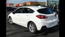 Chevrolet começa a mostrar novo Cruze hatch turbo para o Brasil