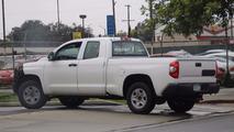 Toyota Tundra refresh spy pics